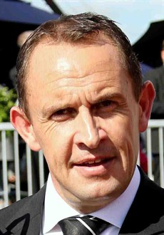 Chris Waller (pictured above) sends out the mighty Winx in race 5. This is a tough selection race – NOT! WINX – and daylight second!