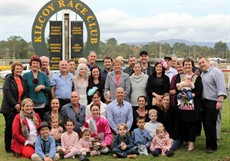 Each year the Duncan family attend this meeting – they come to support the Club and they sponsor the Jockeys Challenge.